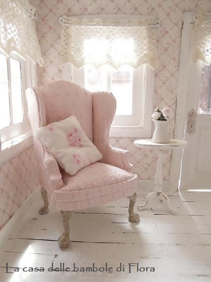 douces roses confortables fauteuil 1 12 poup es maison. Black Bedroom Furniture Sets. Home Design Ideas
