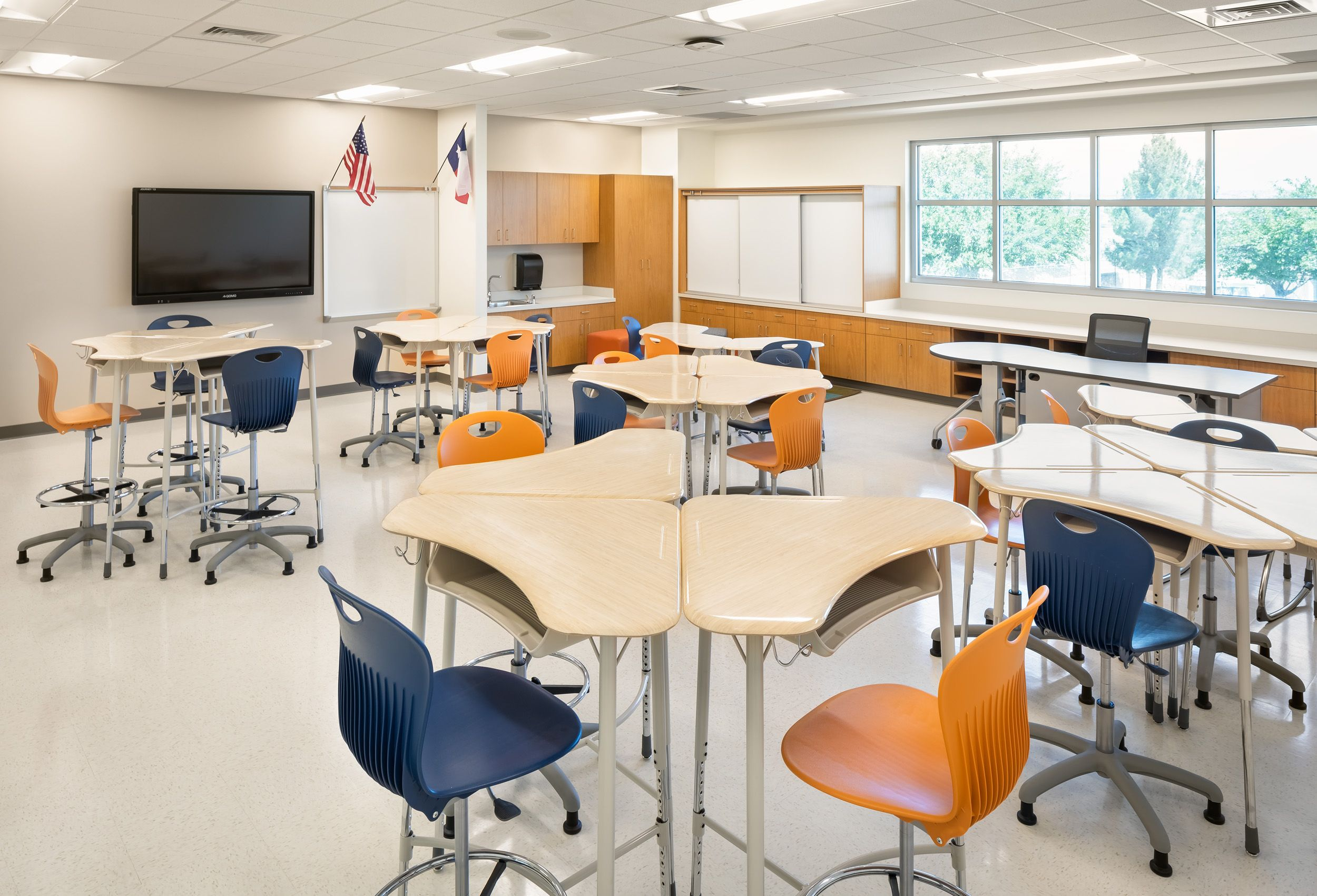 Flexible Classroom With Collaborative Desks And Chairs Classroom