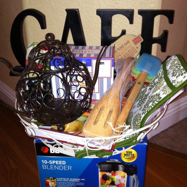 Fundraiser Gift Ideas: Basket Ideas For School Carnival And Fundraisers. Easy