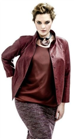 6bef72ffcd A Cute Jacket Will Camouflage your tummy when wearing a pencil skirt. Try  tucking out and wearing a cute jacket overtop.