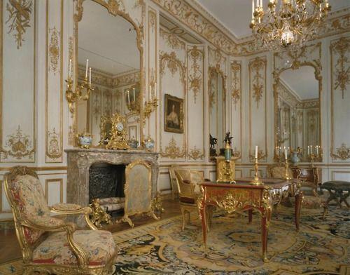 Nicolas Pineau Room in the Hotel de Varengeville in 2019 ...