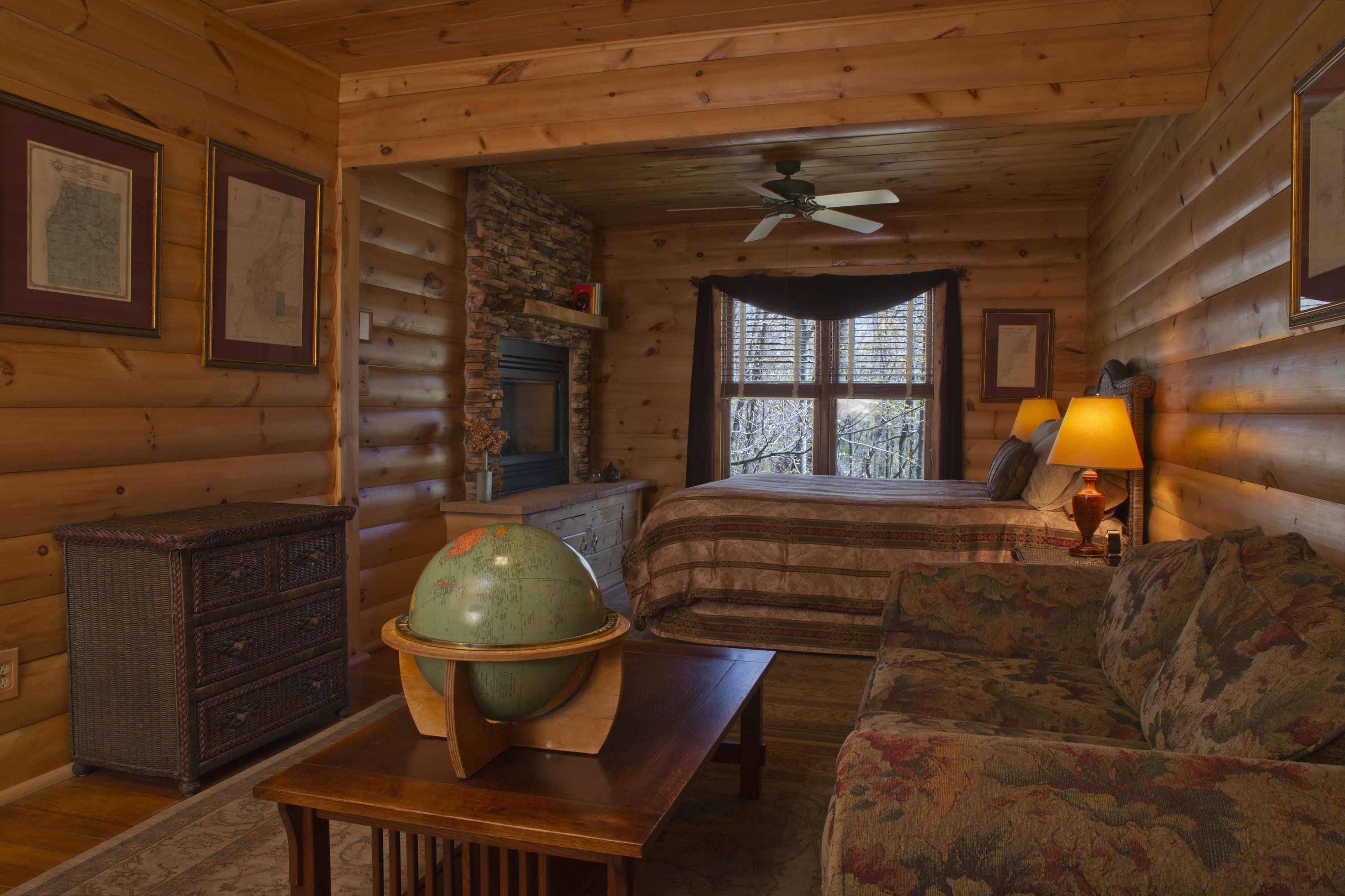 Sherwood Forest Bed And Breakfast, Log Cabin Suite