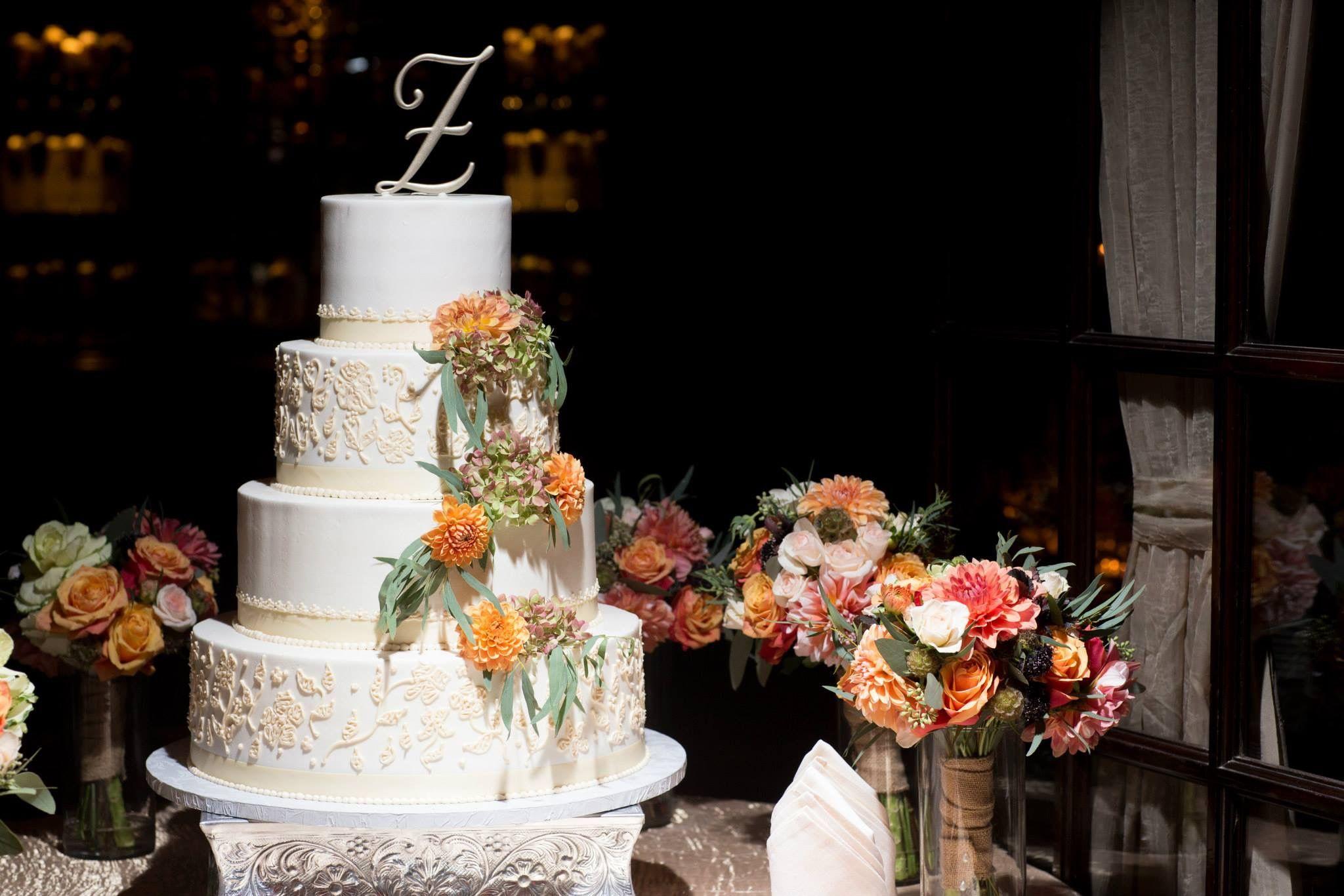 #weddingcake #rusticweddingcake #wedding #cake #flowers