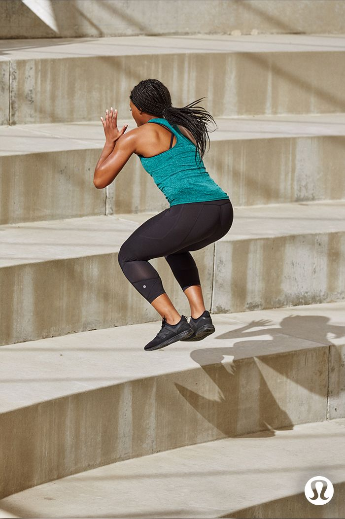 From mountain climbers to sumo squats, you'll feel supported in the lululemon Invigorate Tight.