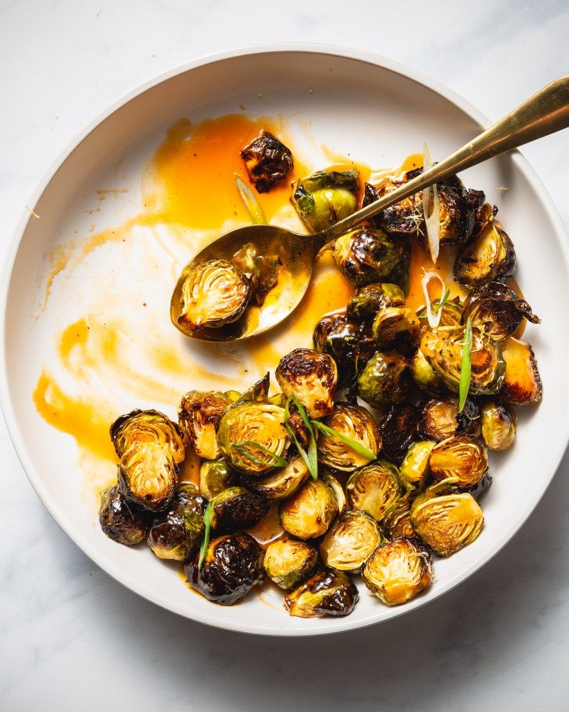 Roasted Brussels Sprouts with Spicy Sweet Buffalo Glaze #thanksgivingrecipessidedishes