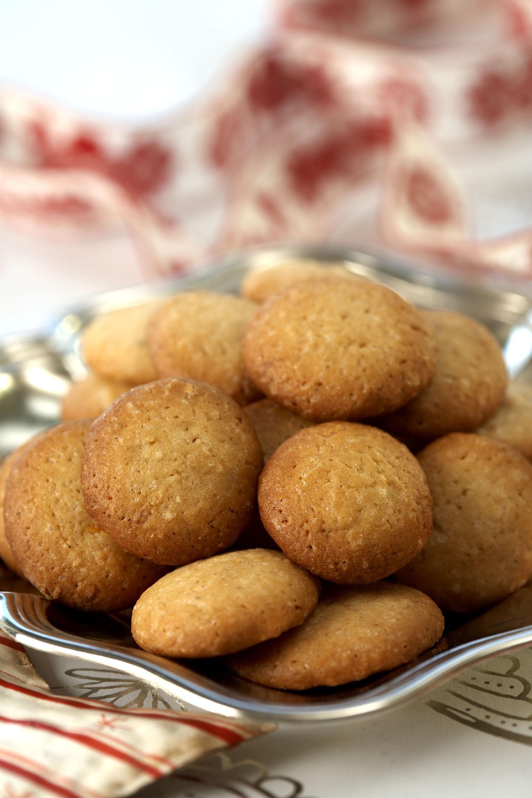 Julens beste peppernøtter   Let\'s eat - Norwegian Christmas Cookies ...