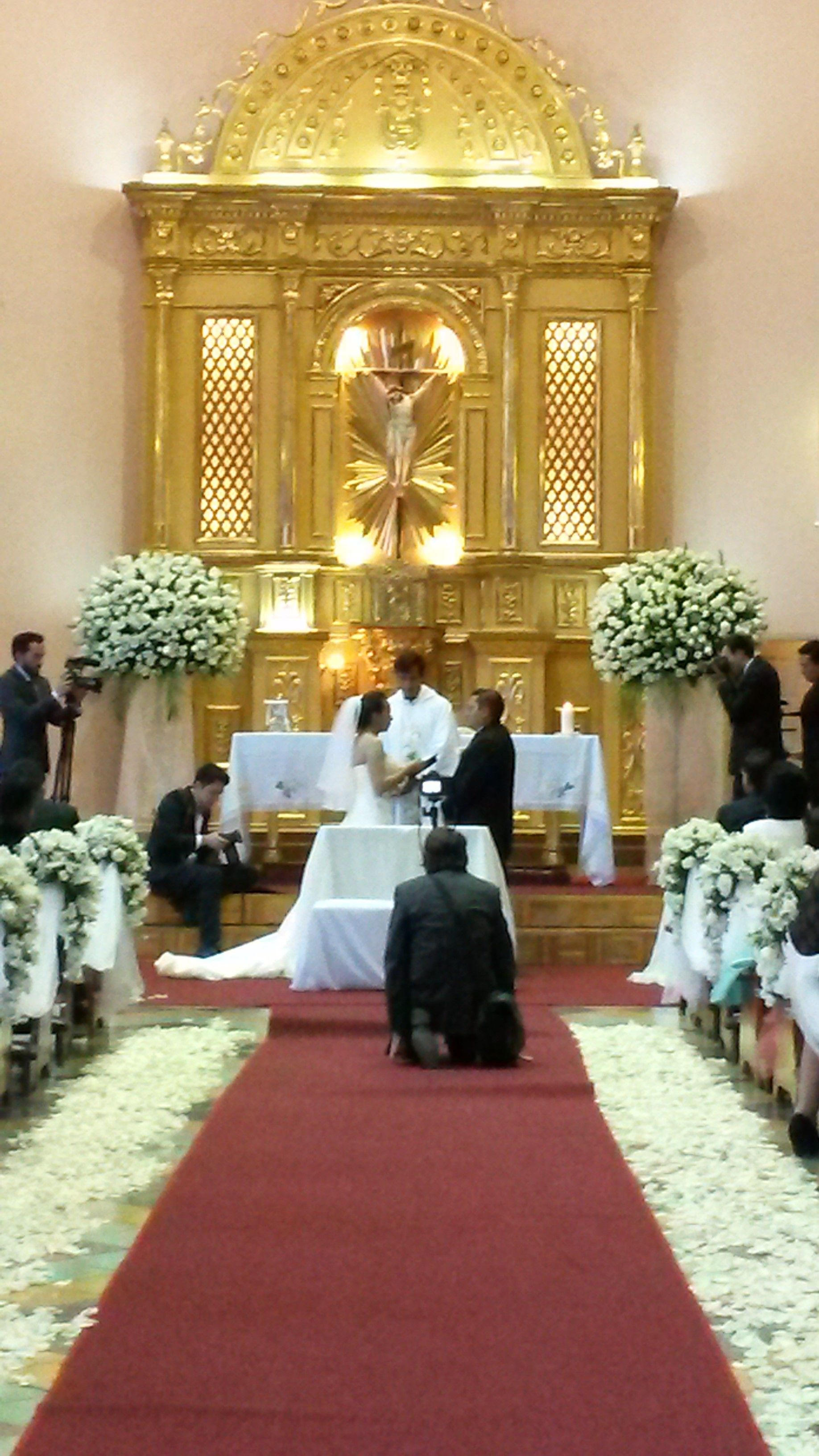 Take A Look To The Shrine Capilla De Nuestra Señora De Lourdes Quito Ecuador Destinationweddingsecuador Getmarriedinecuador Table Decorations Design Decor
