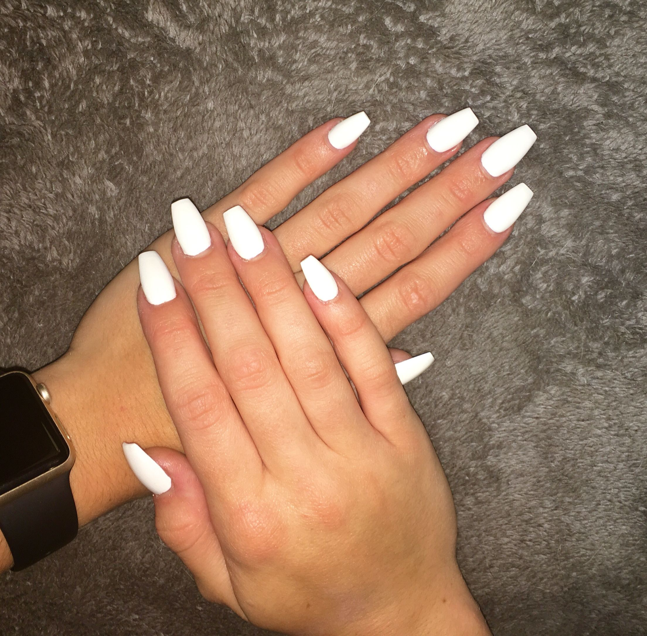 White Coffin Shaped Acrylic Nails White Acrylic Nails Acrylic Nails Coffin Short White Coffin Nails