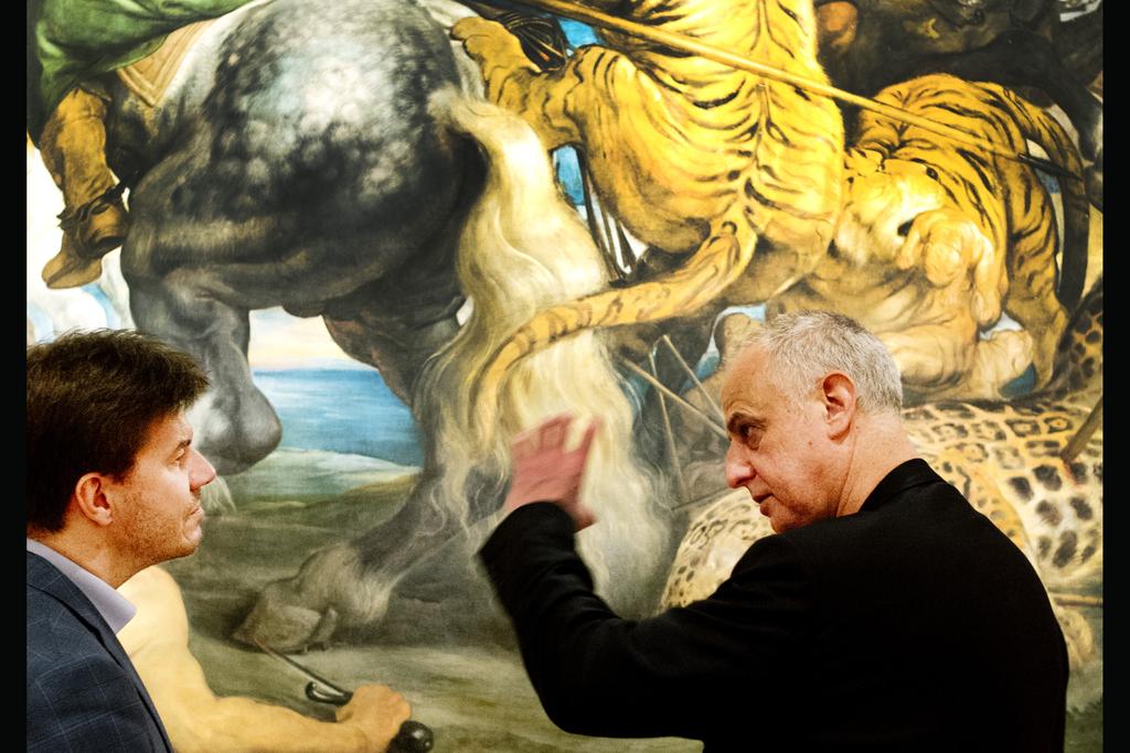 'Een minister van Cultuur moet geen kunstkenner zijn.' 'Dat vind ik redelijk choquerend.' - Sven Gatz & Luc Tuymans - De Tijd