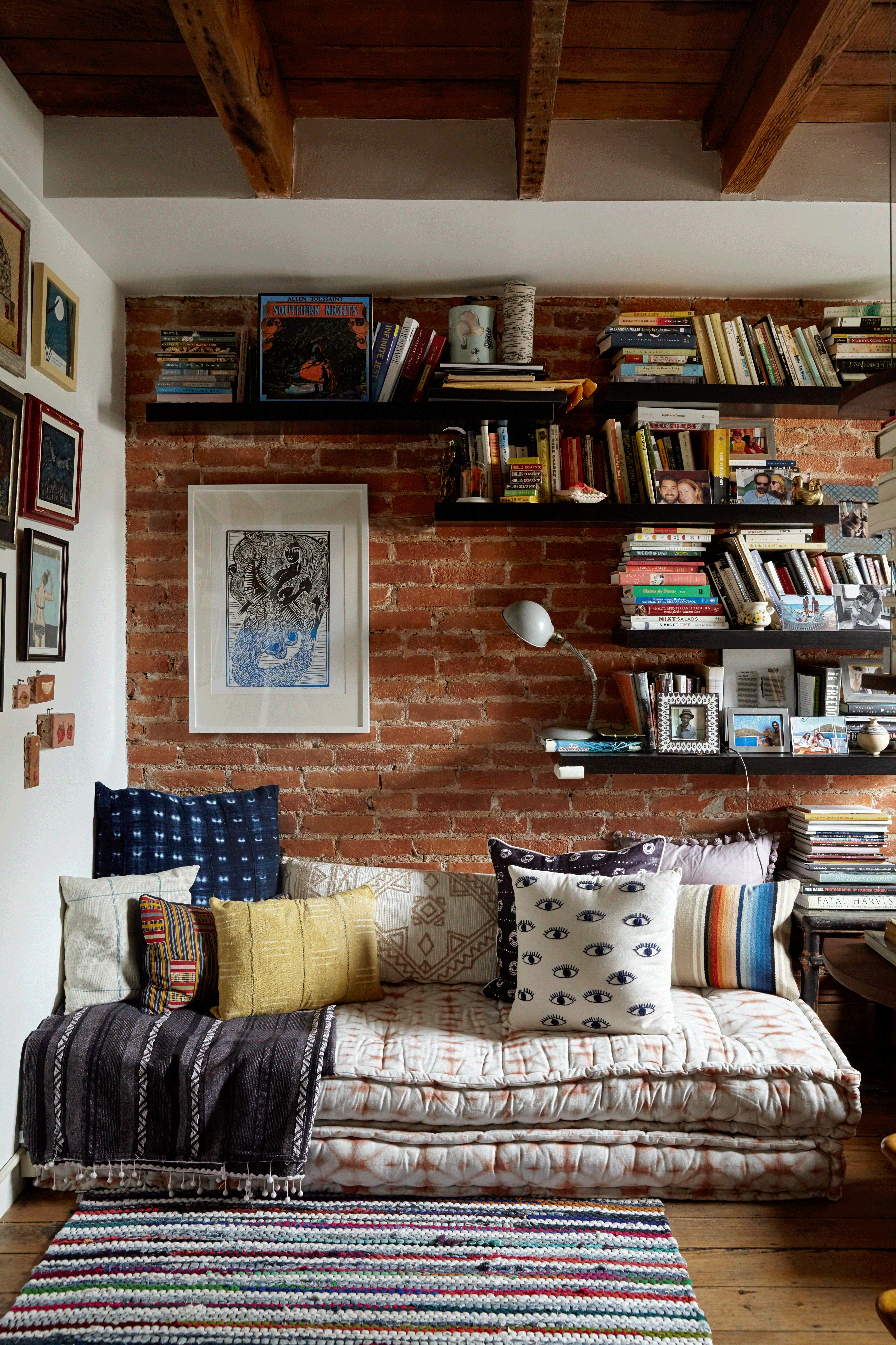 How to Fit a Reading Nook into the Smallest of Spaces