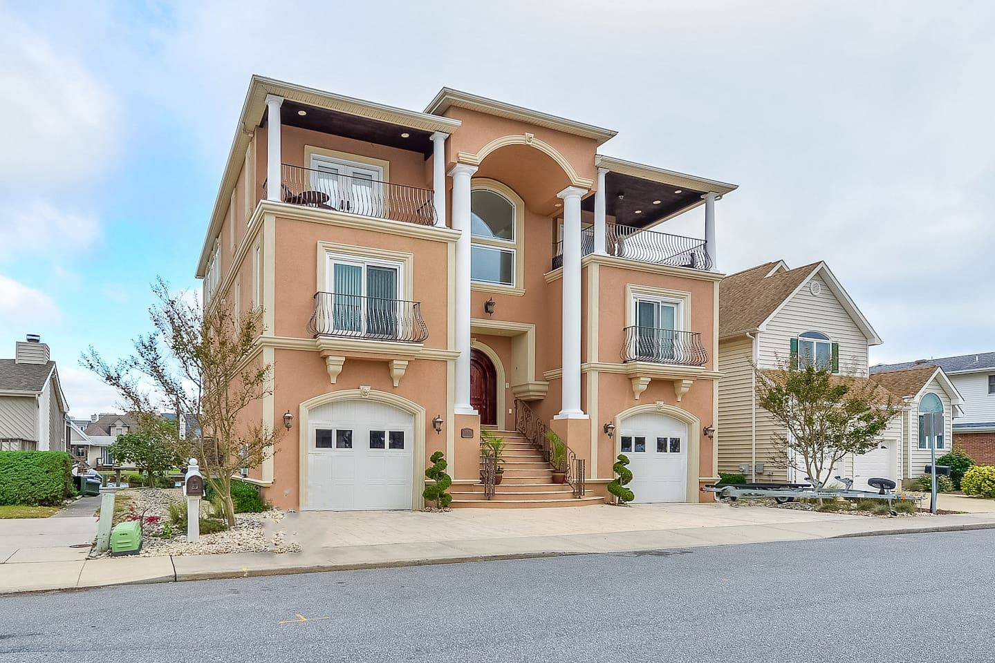 Casa Del Mar Houses For Rent In Ocean City Maryland United States Renting A House Ocean City Beach House Styles