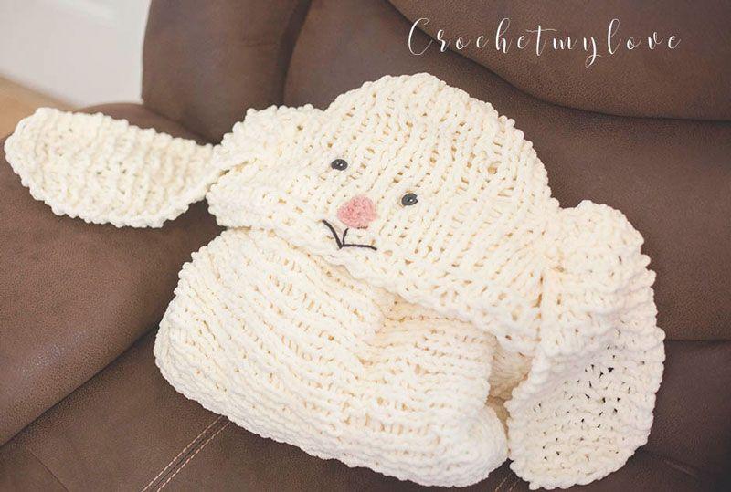 Giant Hooded Bunny Blanket {Free Pattern!} | Crochet ...