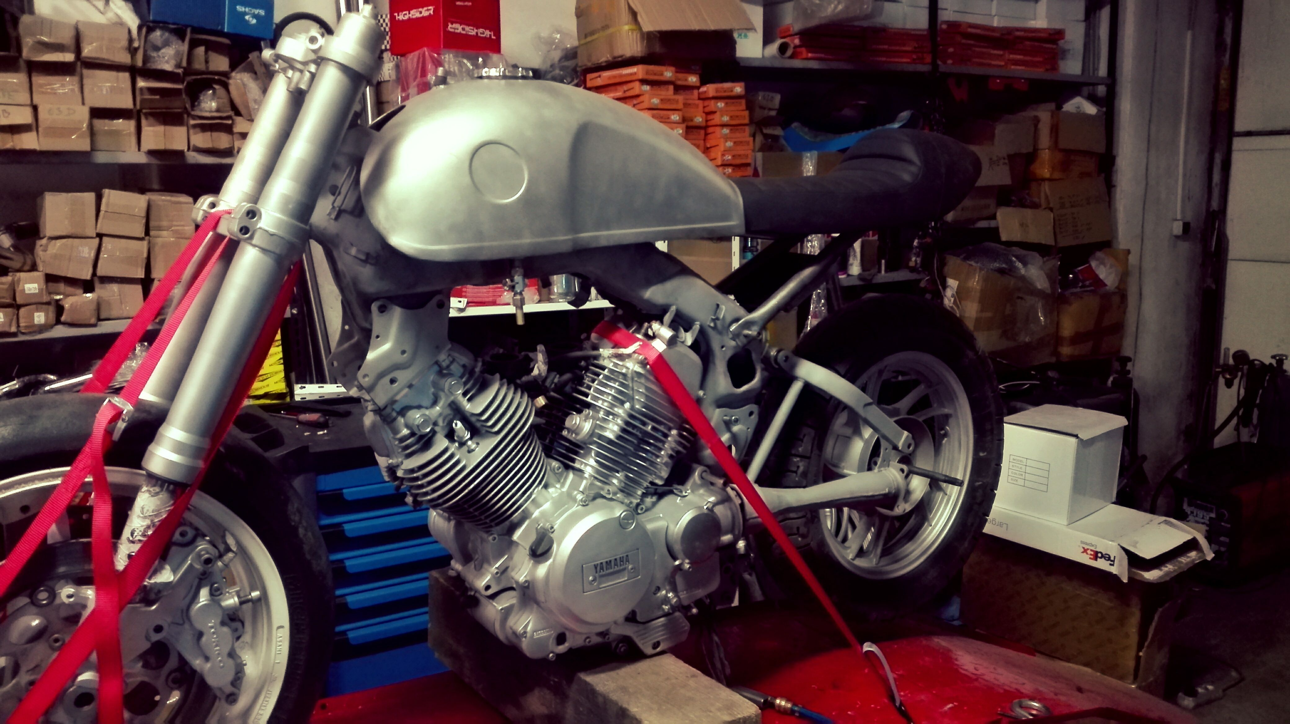 seat, benelli tank, rearsets, gsx-r front forks | yamaha xv500