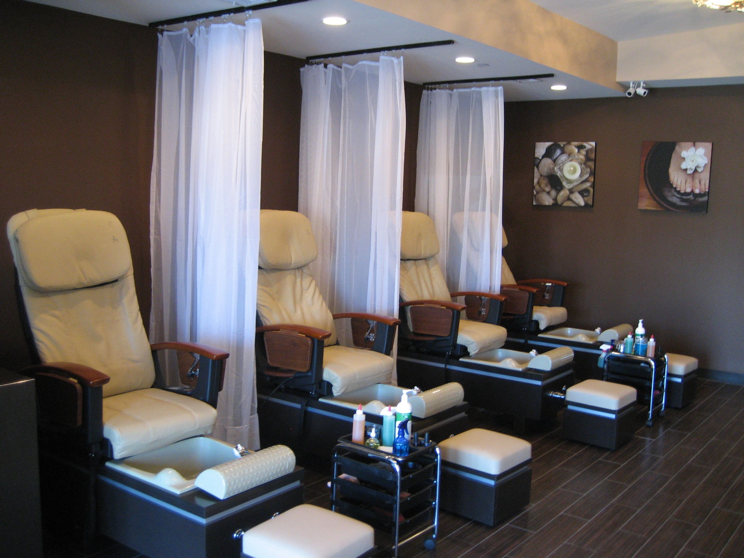 Small nail salon interior designs google search misc for A design and color salon little rock