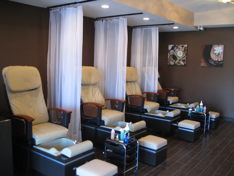 small nail salon interior design