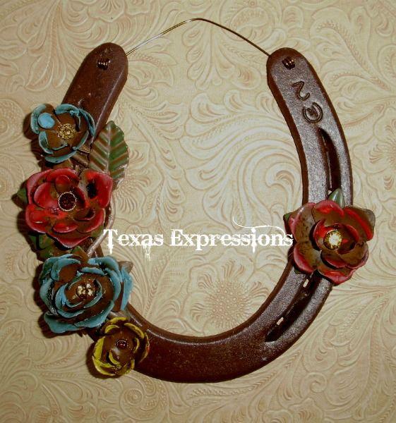Horseshoe Art Seems To Be Metal Flowers And Leaves Horseshoe