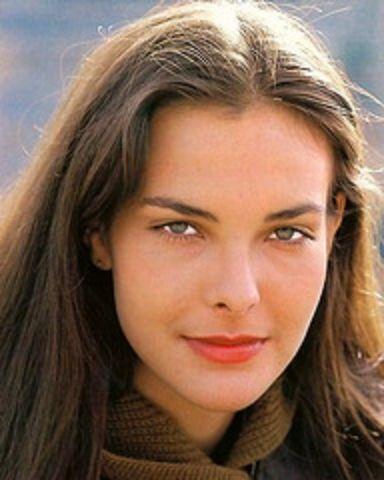 Top 10 Definitive Bond Girls - No.6 Melina Havelock ...