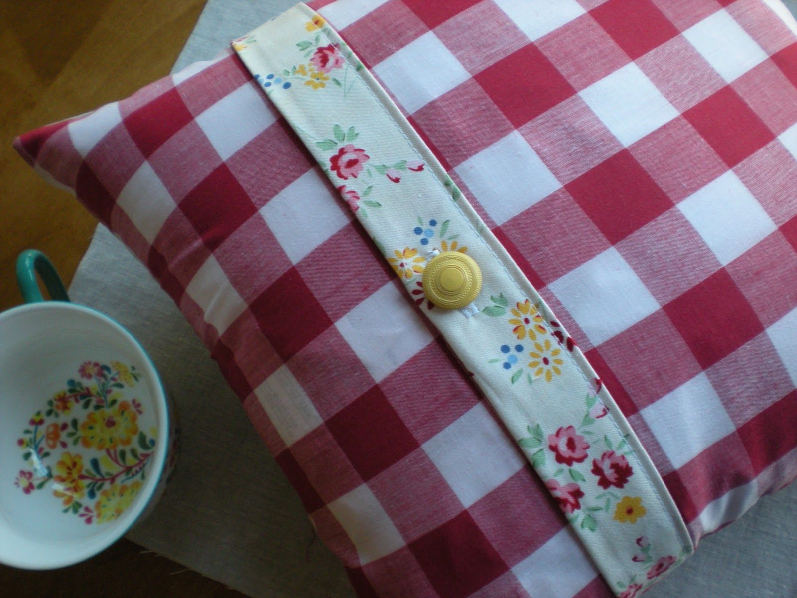 scandinavian fabric trims | ... love how the trim matches the tea cup! Or in my case coffee cup
