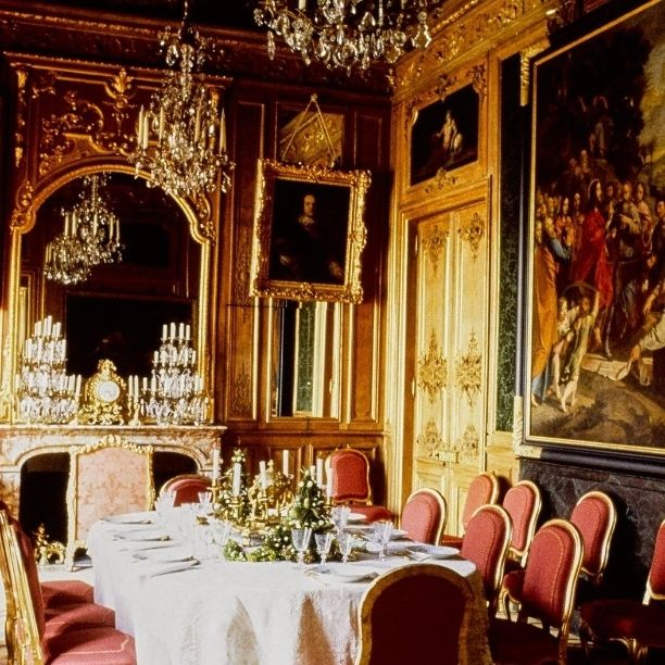 Karl Lagerfeld's 18th-Century Parisian Lair  by Oberto Gilli, Vogue, April 1989 #aheadofitstime #KarlLagerfeld #fashion #designer #creative #house #architecture #masterpiece #architecturelovers #building #buildings #apartment #design #art #artlovers #artoftheday #like #instalike #tagsforlikes #Vogue #bestoftheday #photooftheday #picoftheday #igers #instagramers #Paris #city #cities #beautiful #awesome