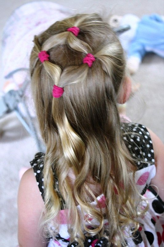 simple girly hairstyle for school hair pinterest coiffure coiffure enfant and cheveux. Black Bedroom Furniture Sets. Home Design Ideas