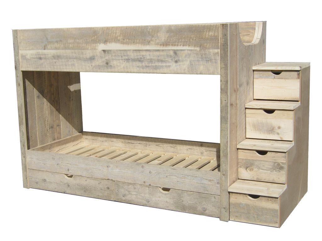 Muur planken witte keuken - Decoratie montee d trap ...