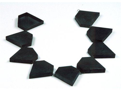 Philip Sajet- 'Diamant' - Collier van zilver en niëllo. 1990