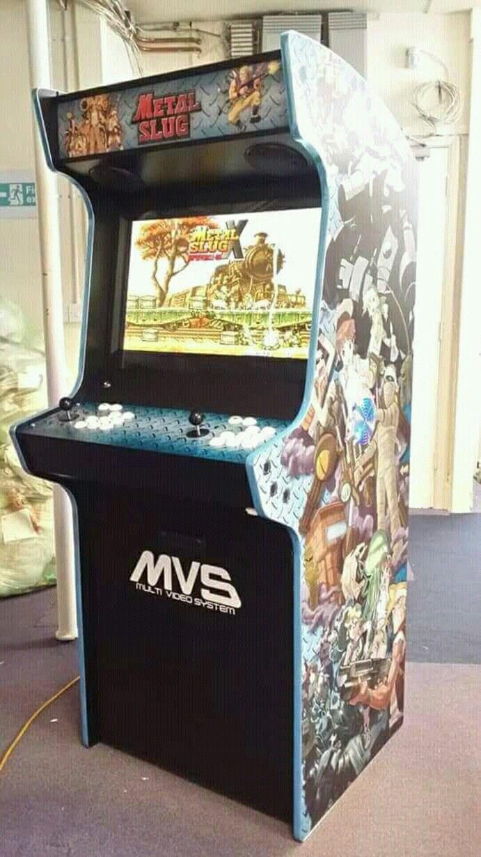 retro console в стиле аркадного игрового автомата