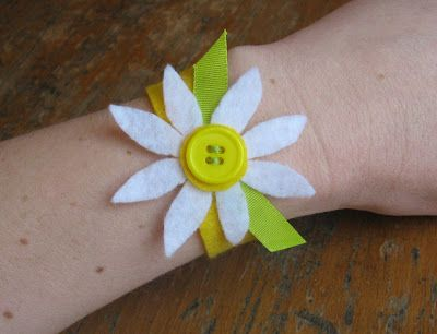 Felt Bracelet - very cute!