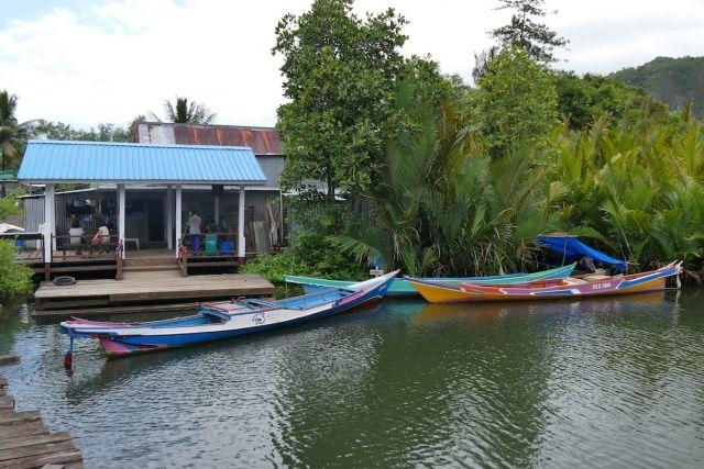 Makassar, Rammang-Rammang-Tal, schoen trotz Regen
