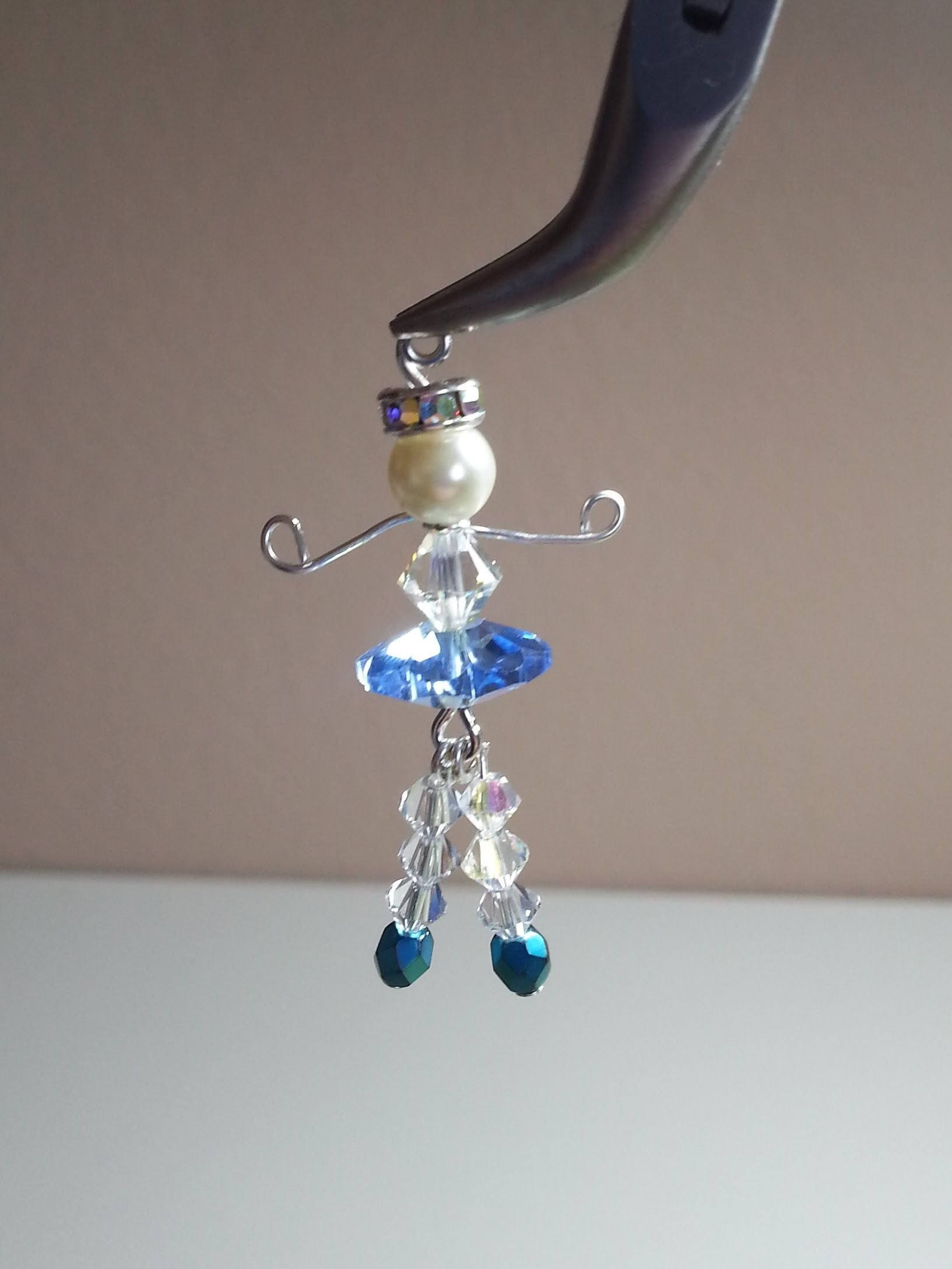 We make earrings from beads with our own hands - advice to craftsmen