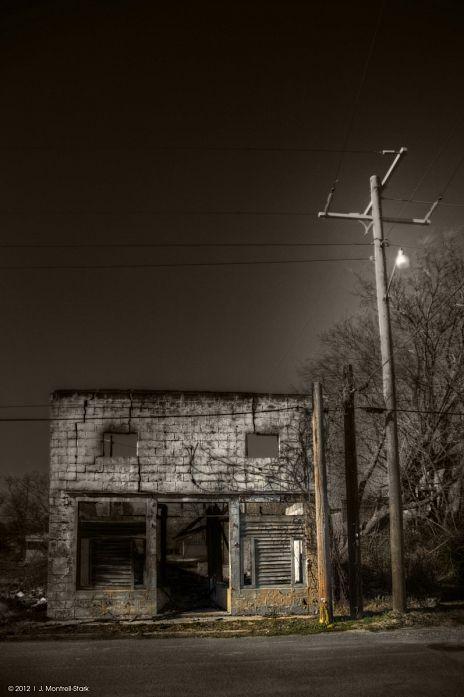 Liquor Store - Cotton Plant, Arkansas, photography by J. Montrell - Stark