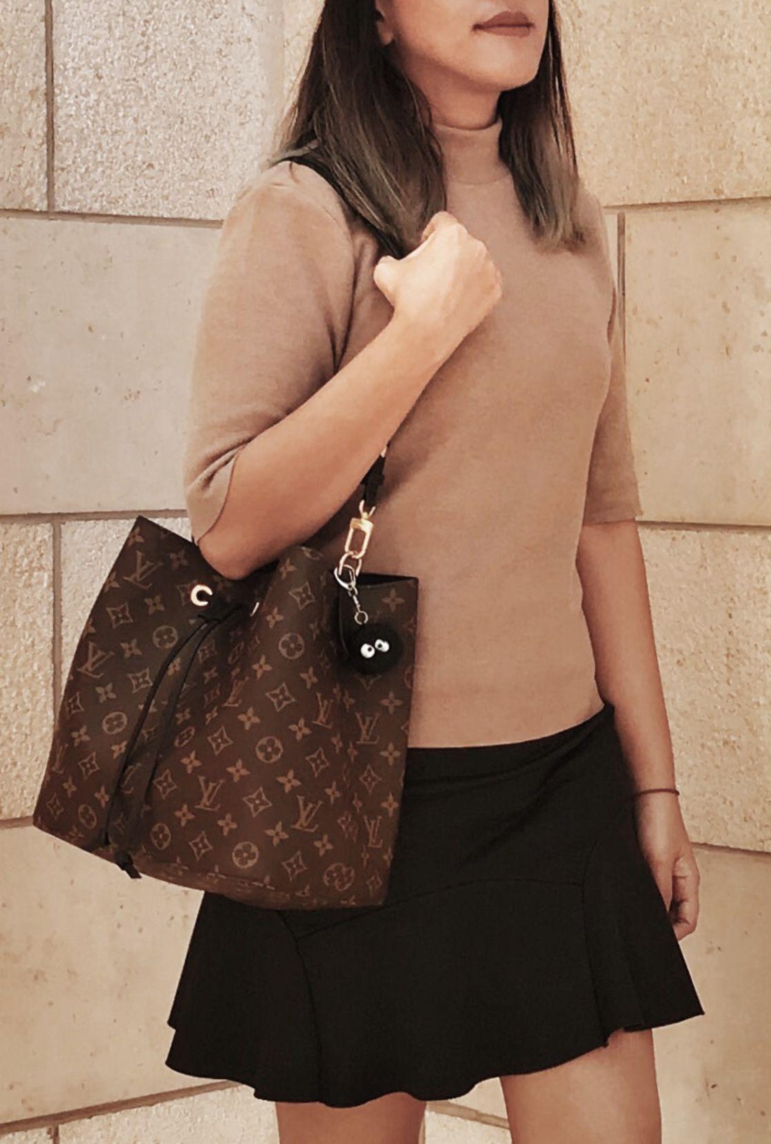 Warm Tones Plus Lovin That Louis Vuitton Neo Noe Bag Louis Vuitton Neonoe Vuitton Outfit Vuitton