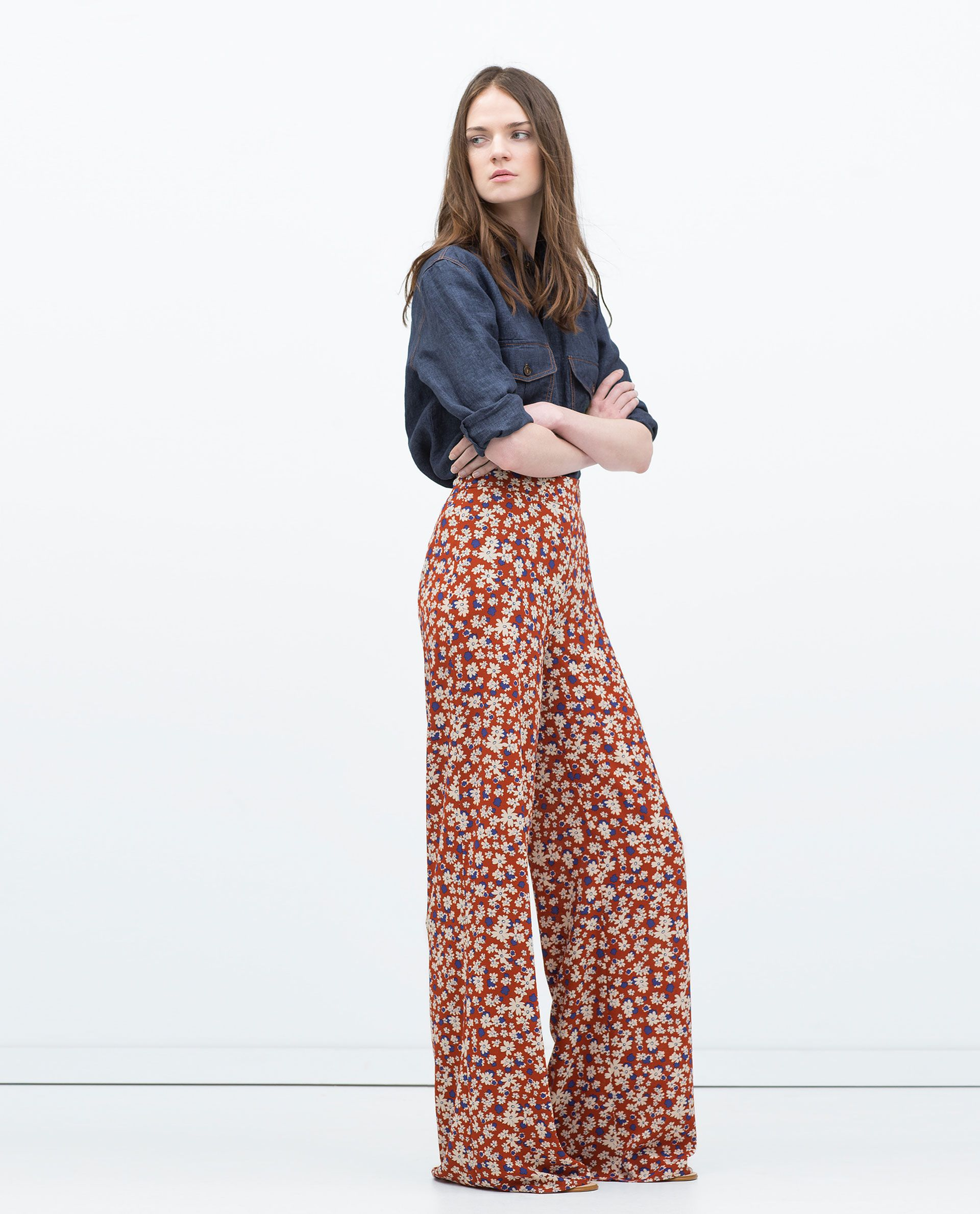 Fashion style How to orange wear floral pants for woman