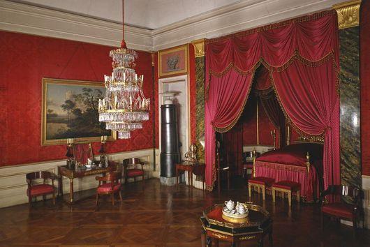 das schlafzimmer von k nigin charlotte mathilde im residenzschloss ludwigsburg schloss. Black Bedroom Furniture Sets. Home Design Ideas