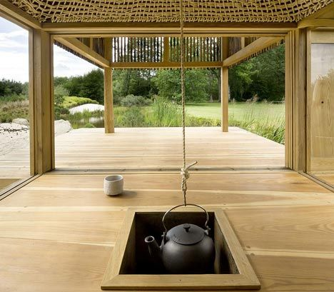 Visitors to this timber tea house sit beneath a woven rope dome with - casa estilo japones