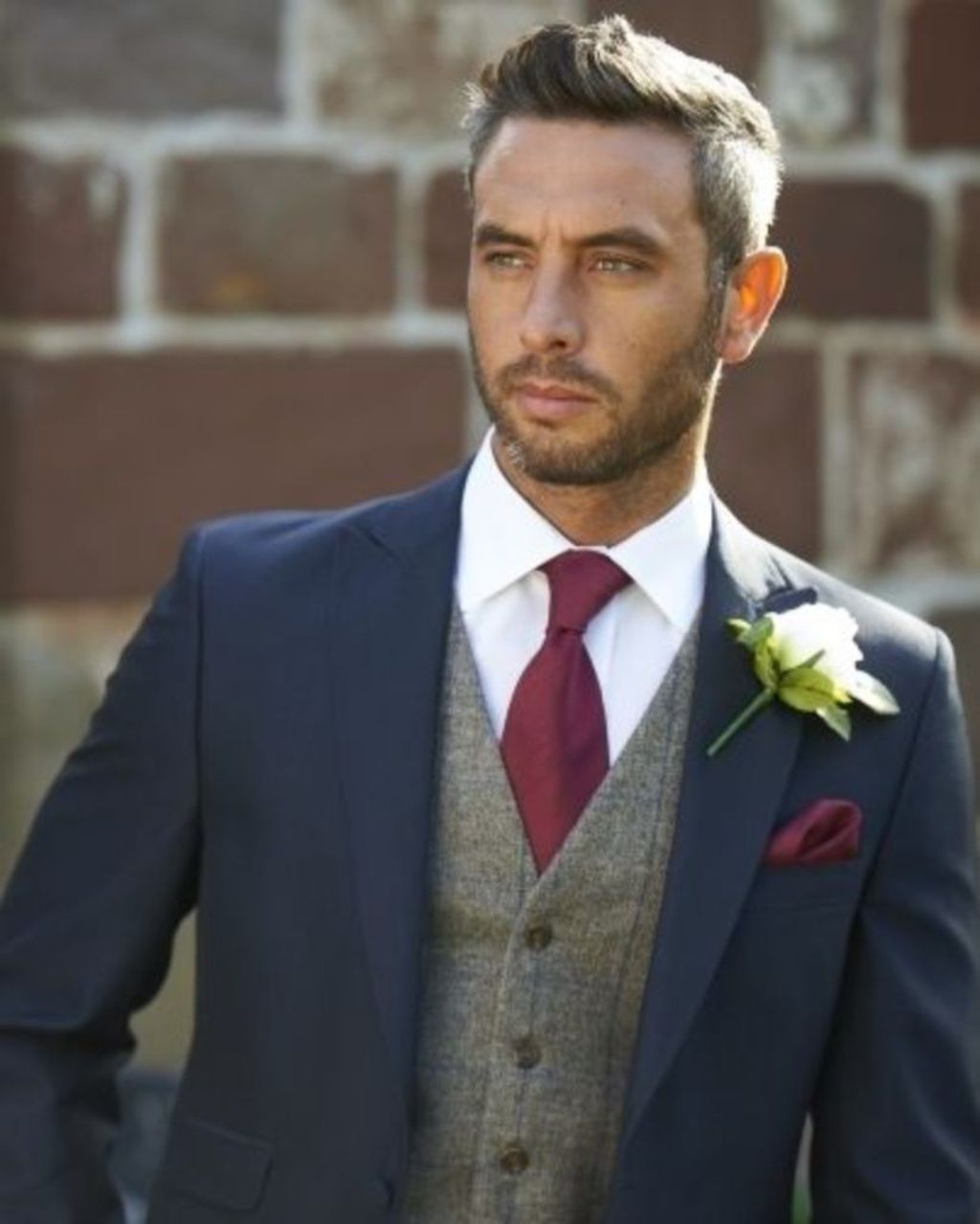 20+ Lovely And Stylish Fall Groom Ideas