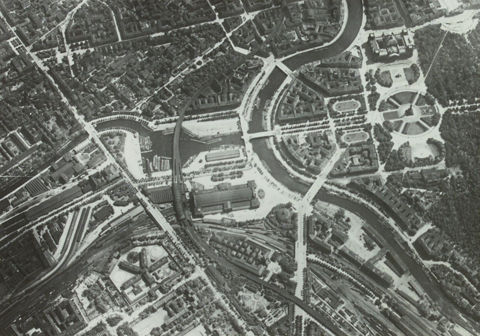 Lehrter Bahnhof Reichstag Und Siegessaule Historische Fotos Luftbild Berlin Geschichte
