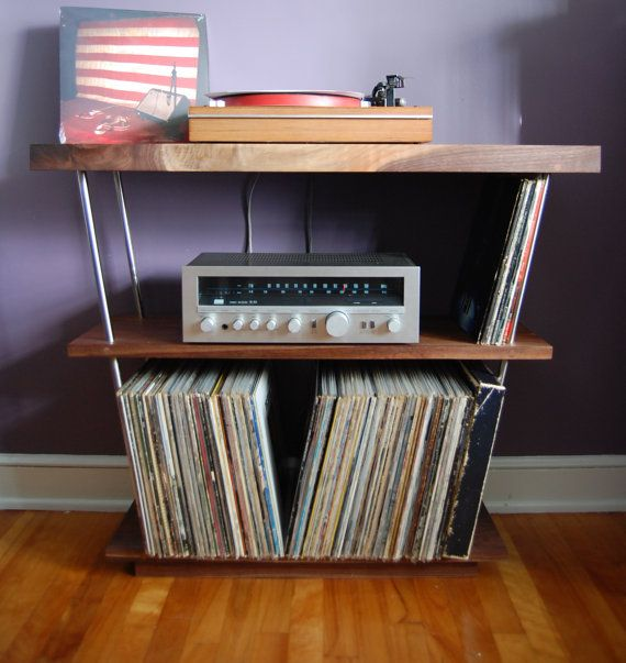 Solid Walnut Record Player Table Shelf And Lp Holder For 12 Vinyl Lps Stainless Steel Holds 300 X 12 Vinyl Record Storage Med Bilder Benk