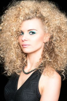 Blonde Löwenmähne Updo Pinterest Big Curly Hair Blondes And Curly