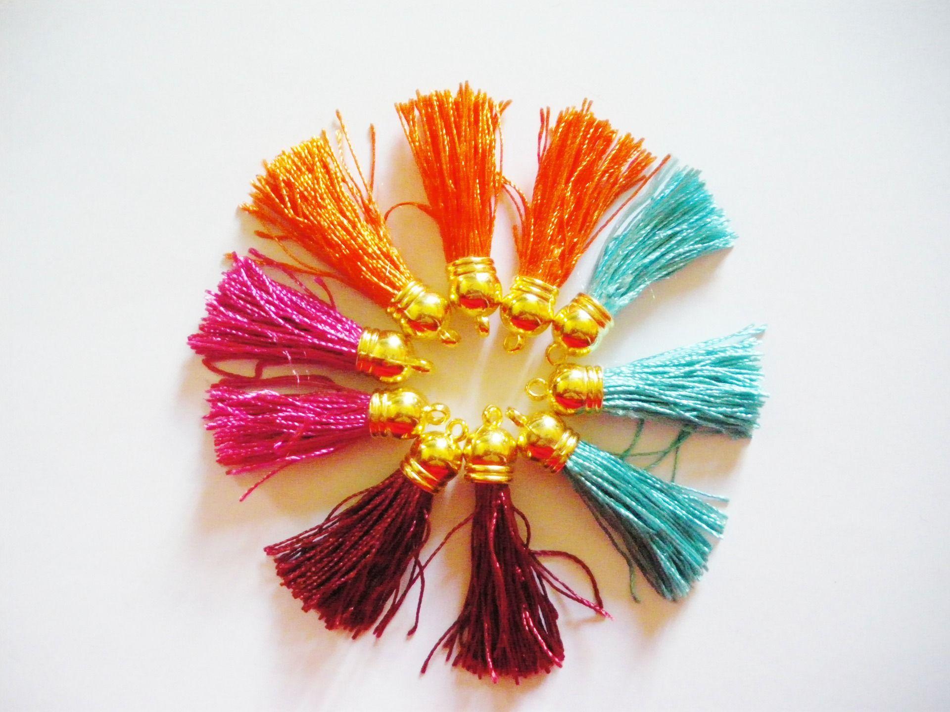10 Pendentifs mini Pompons Fils (Réf:5) : Pompons par mercerie-jewelry