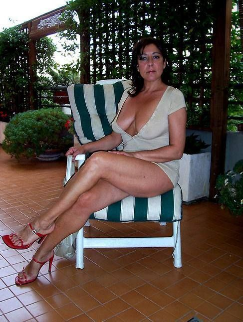 peridot milfs dating site Here are our 11 best cougar dating sites — for cougars and cubs alike — in terms of traffic, user base, and features 1  cougars are often more mature,.