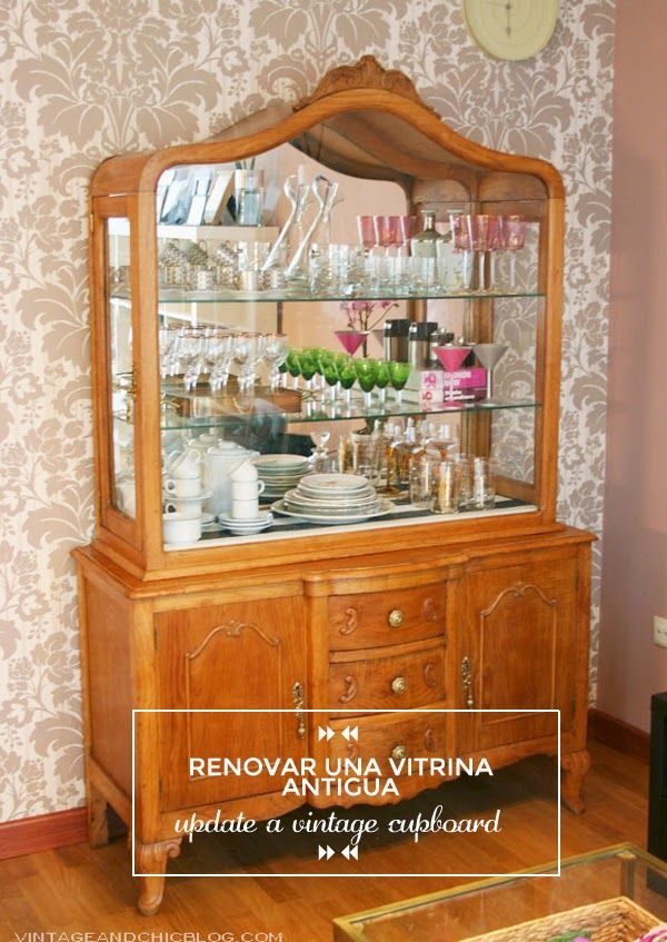 Una vitrina antigua para nuestro sal n our new antique - Decoracion vintage salon ...