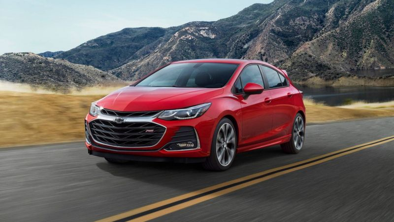 Chevy Halves Cruze Production Due to Falling Demand