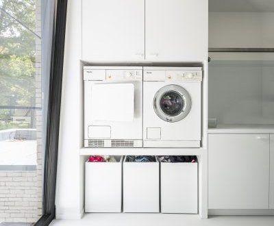 Cleverer Weg, um den Korb unter die Waschmaschine zu legen
