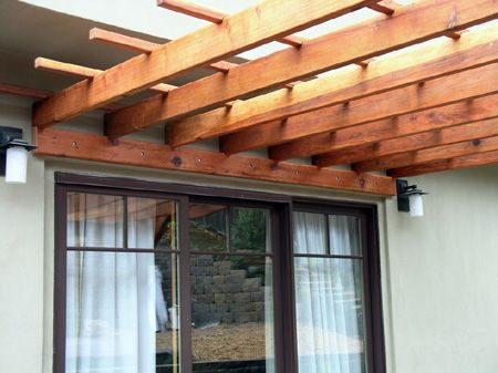 Home Dzine How To Build A Freestanding Or Wall Mounted Pergola Building A Pergola Pergola Patio Pergola