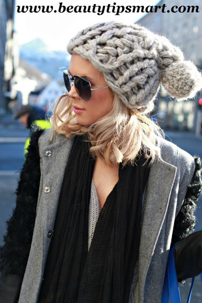 How To Wear A Pom Beanie With Short Hair Women  0c7ae2f16ed