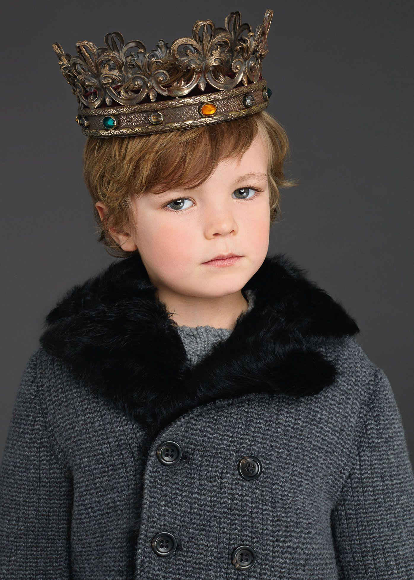 Dolce   Gabbana Collezione Bambini Inverno 2016 Moda Per Bambini Ai Primi  Passi b1e585a1806