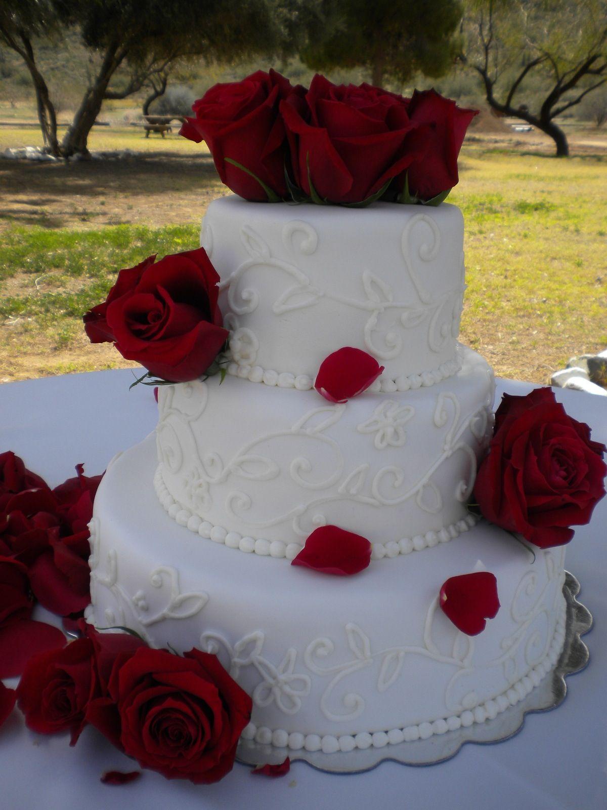 I found my cake! Wedding cake red, Wedding cake roses