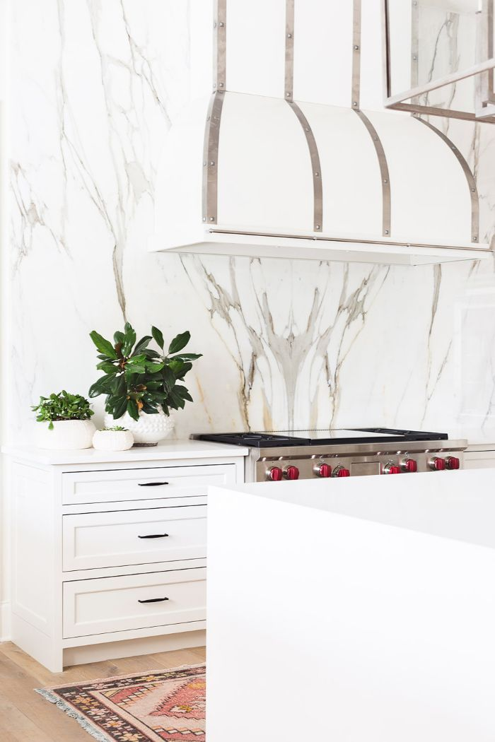 You Need to See These Dramatic Waterfall Countertops #waterfallcountertop