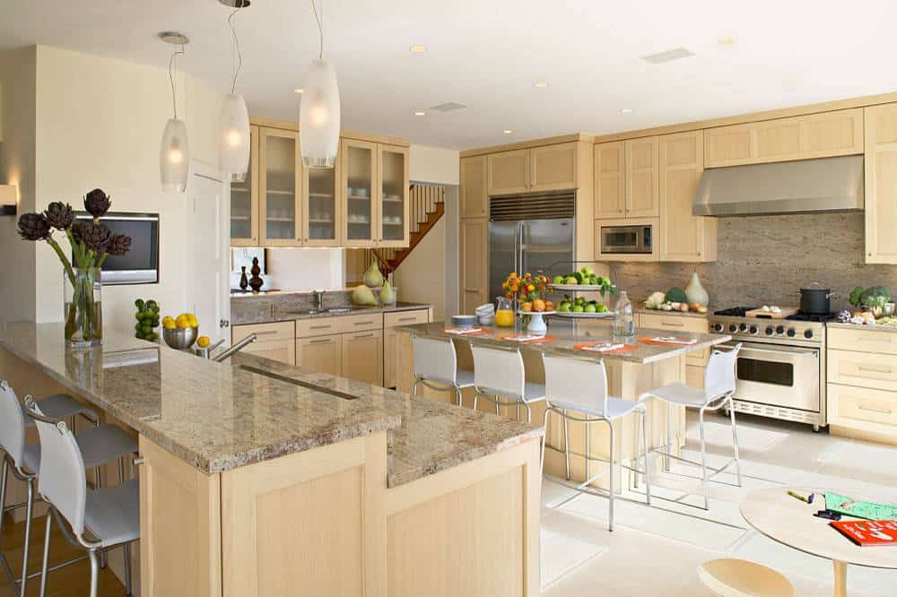 8 Most Excellent Kitchen Paint Colors With Maple Cabinets Combinations You Must Know Maple Kitchen Cabinets Kitchen Design Kitchen Remodel